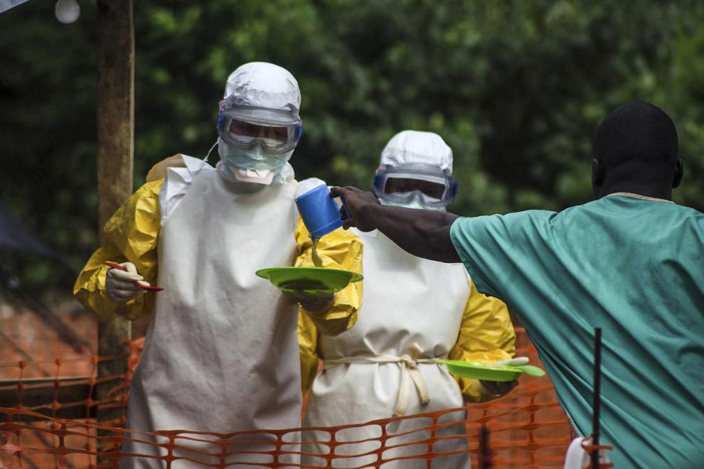 Еда для пациентов в больнице в Сьерра-Леоне