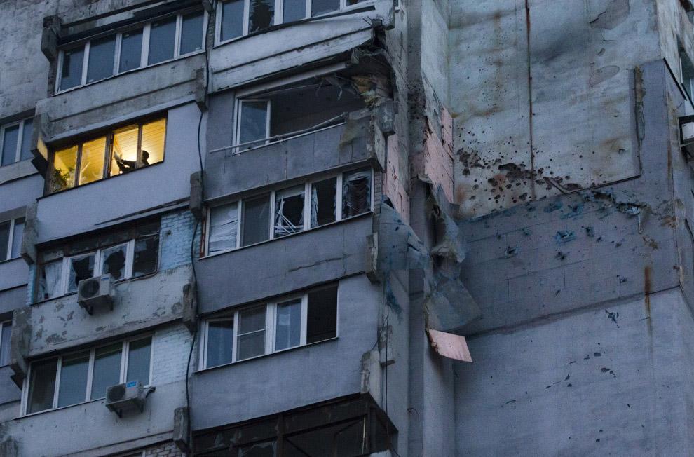 Жилой дом после обстрела, Донецк