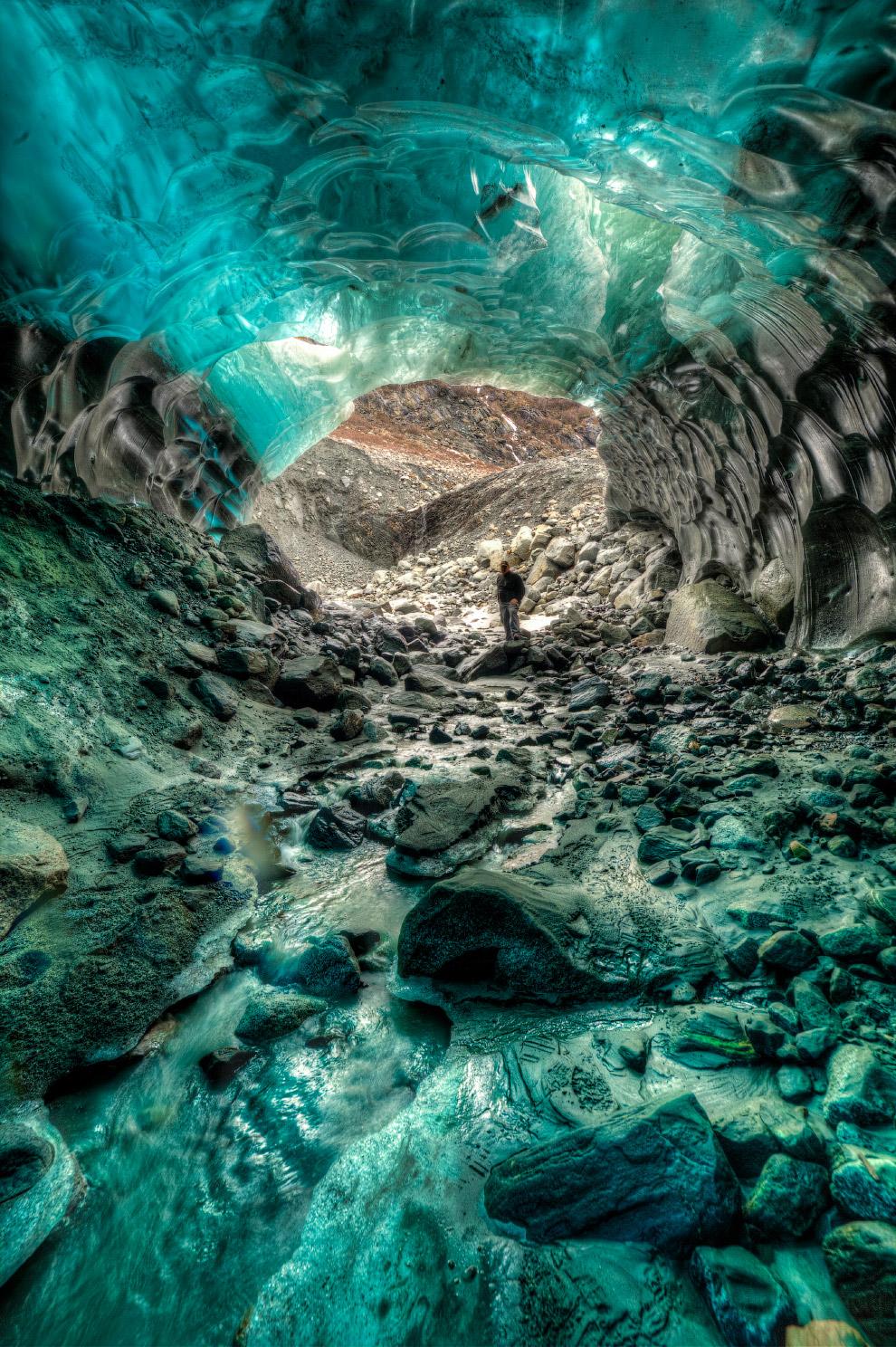 Выход из ледяной пещеры