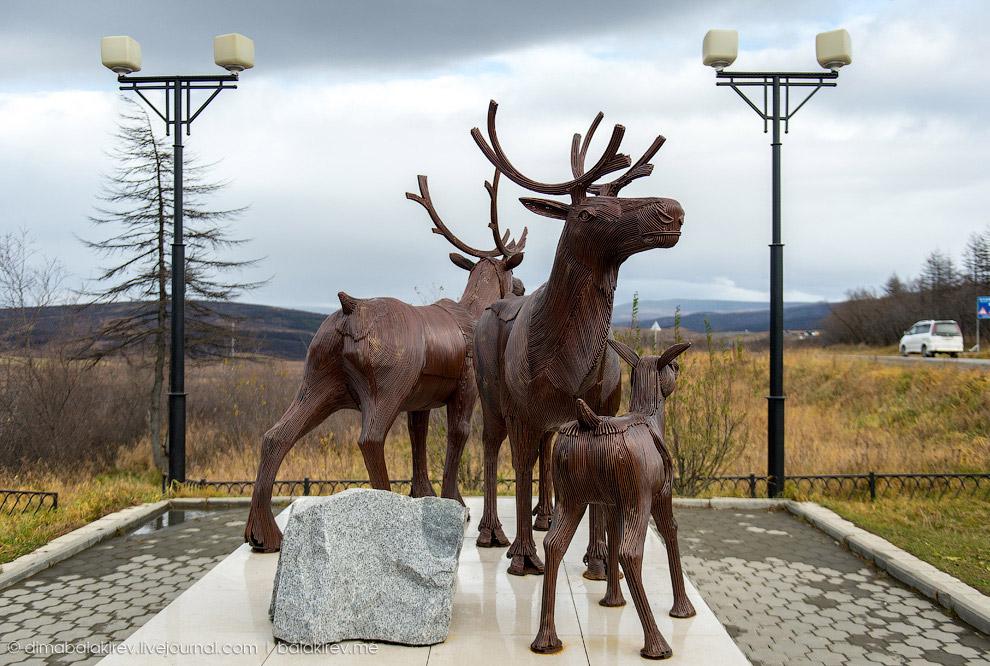 Скульптура семейства оленей