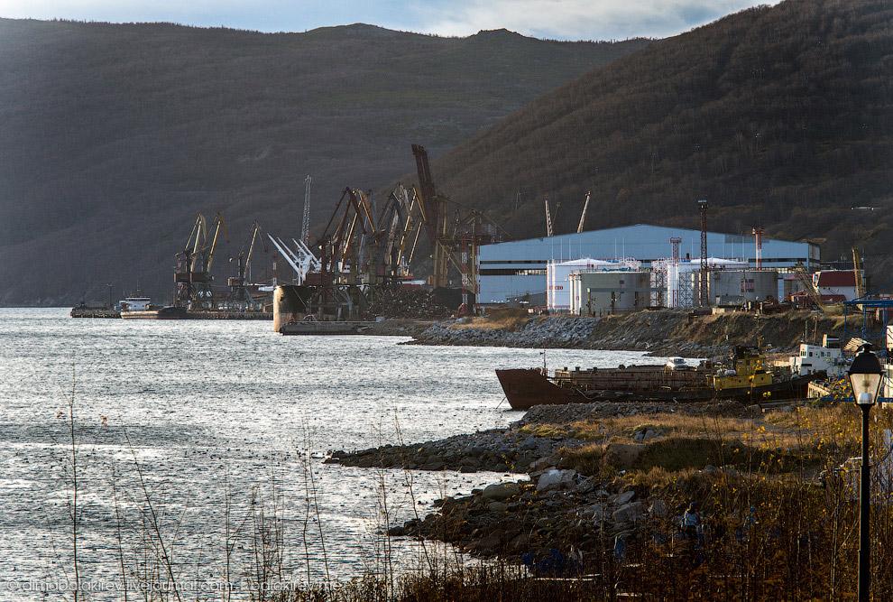 Вид на магаданский порт