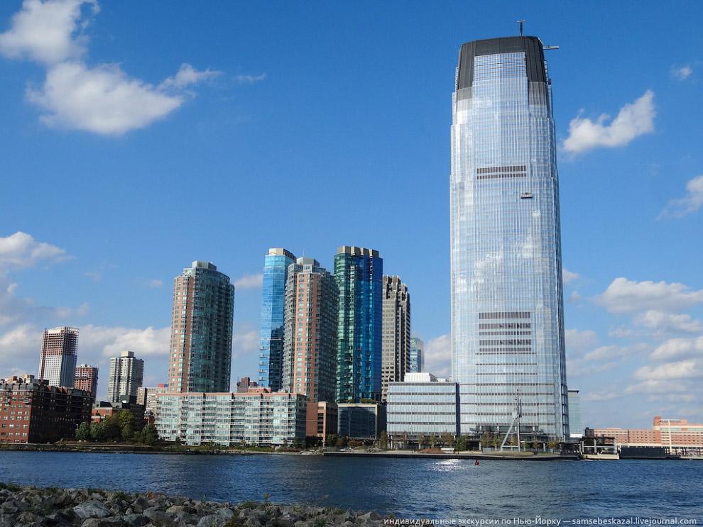 42-этажный небоскреб Goldman Sachs Tower