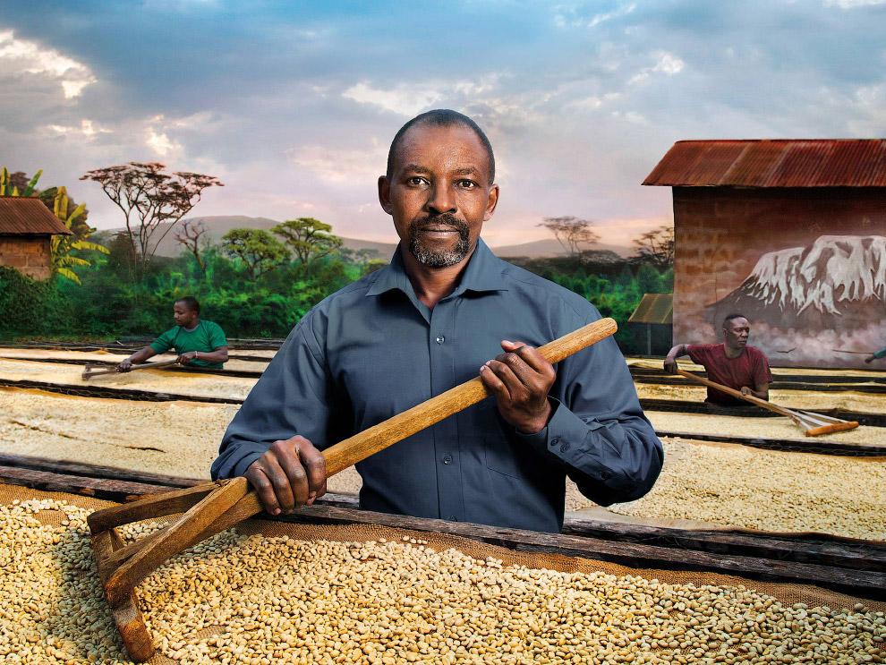 В окружении кофейных зерен