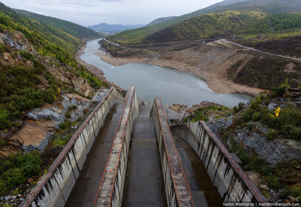 Водосброс Колымской ГЭС