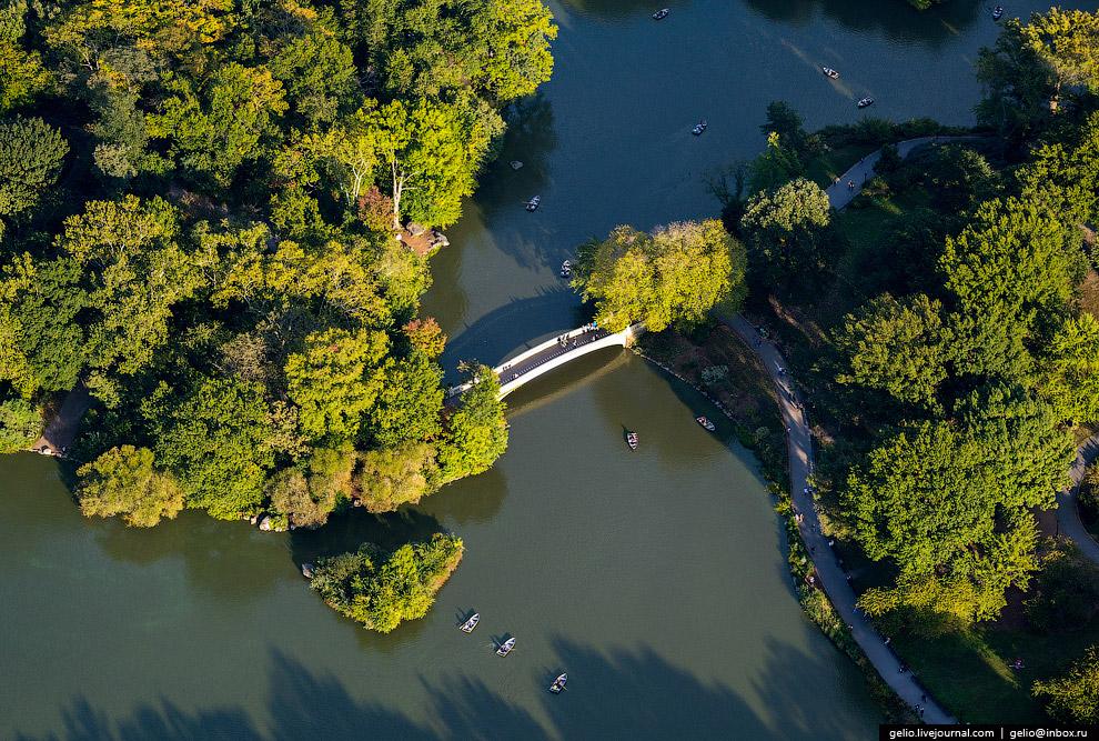 Мост Боу (Bow Bridge)