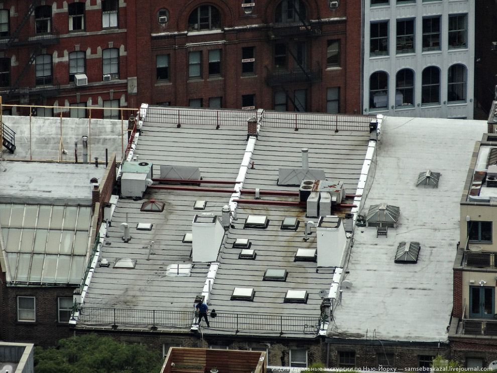 Маленькие домики на крышах