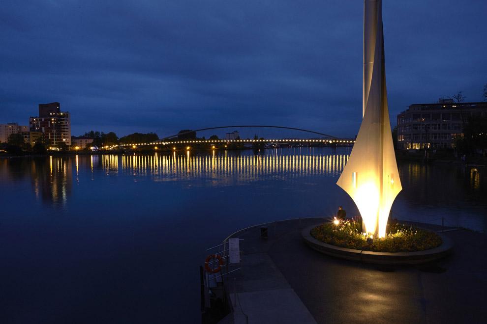 Граница трех стран на реке Рейн