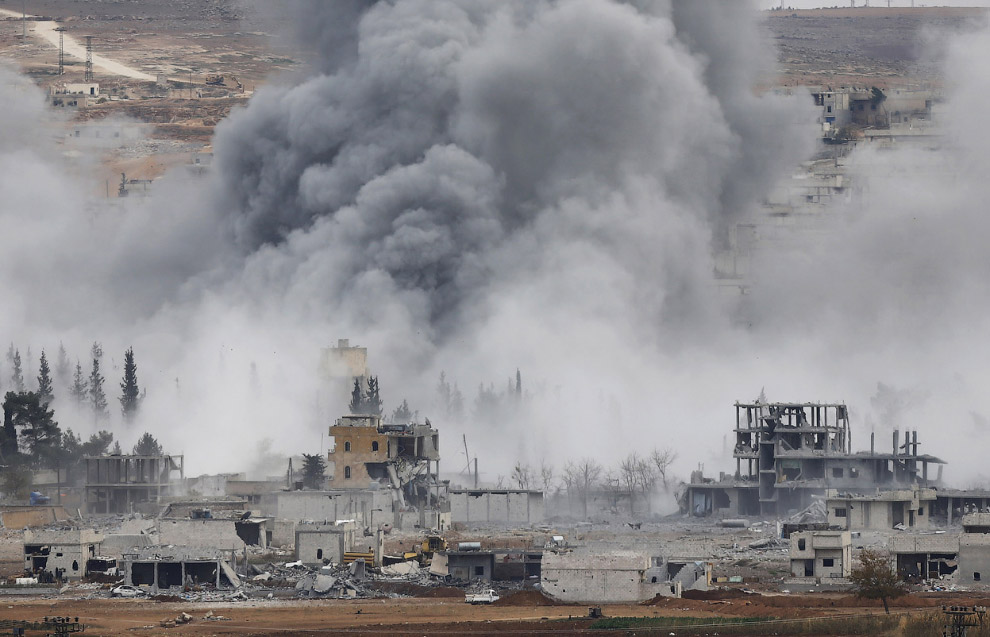 Авиаудар в городе Кобани, Сирия