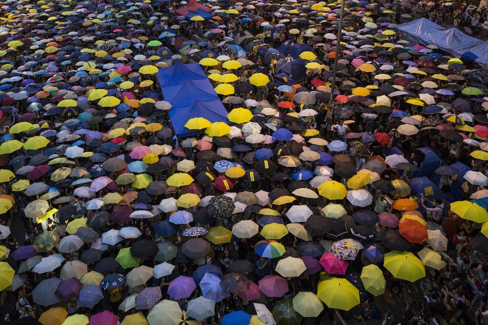 В Гонконге продолжаются протесты против решения властей в Пекине самим отсеивать кандидатов на выборах 2017 года