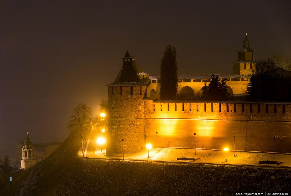 Тайницкая башня и Кремлёвский бульвар