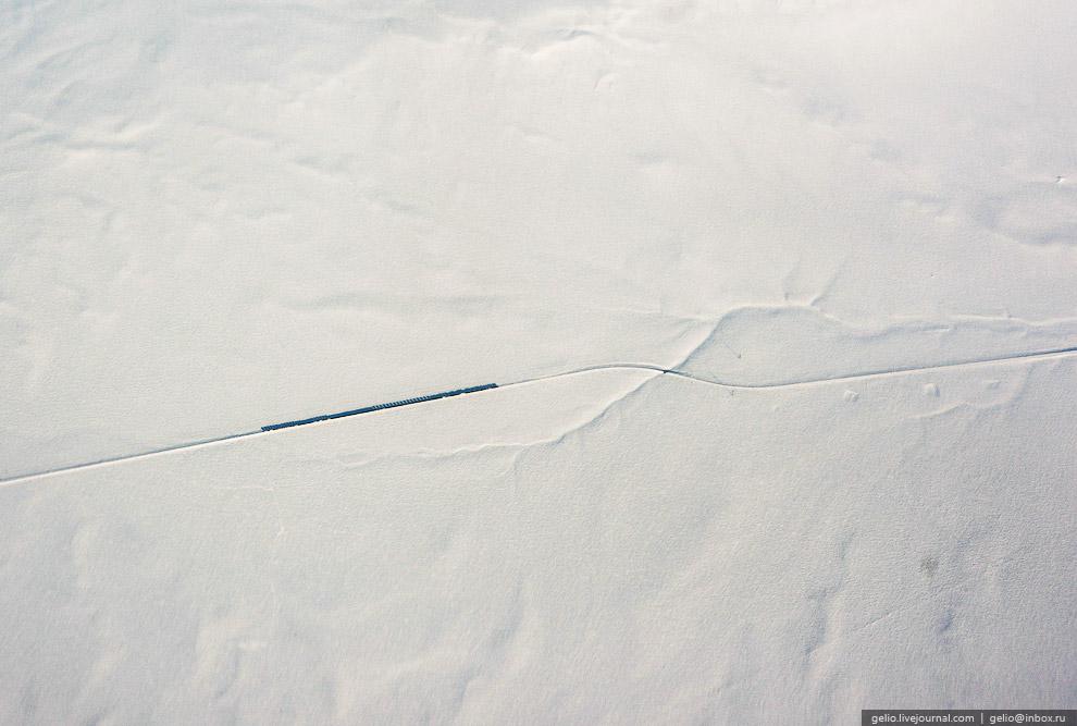 Поезд в казахских степях