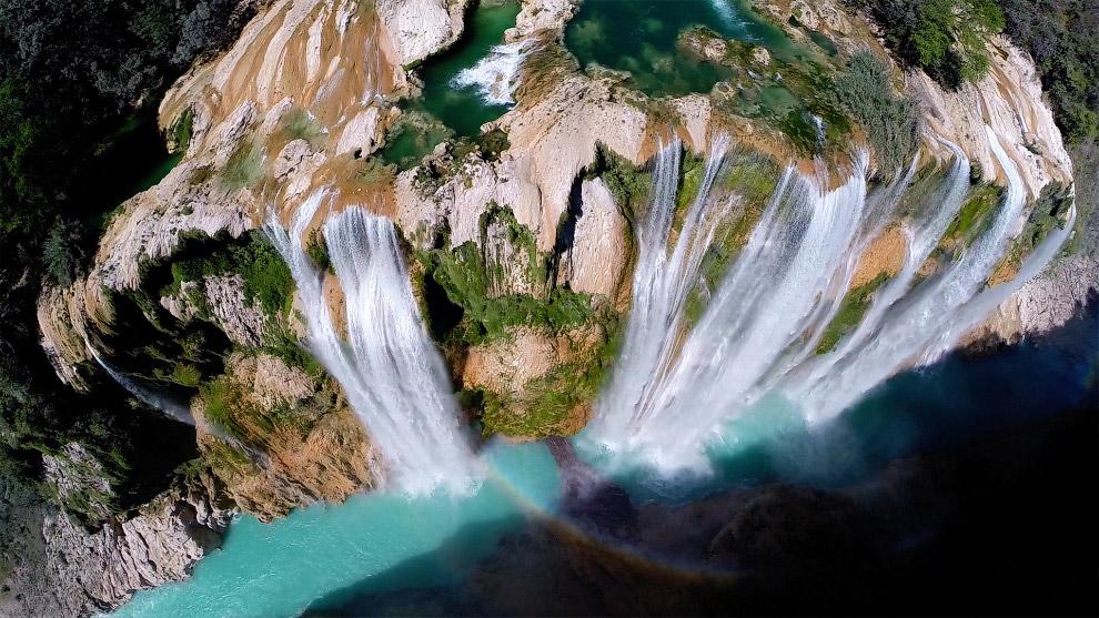 105-метровый водопад Tamul в Мексике