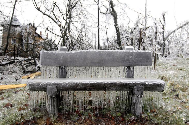 Ледяная скамейка в Будапеште