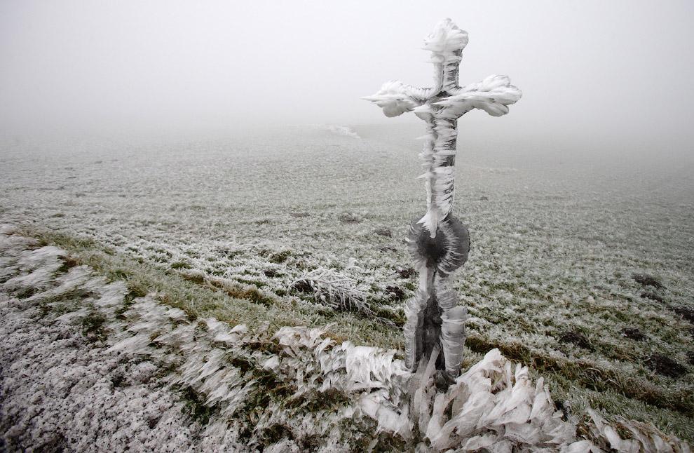 Ледяные поля и крест