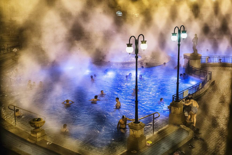 Зимняя купальня в Будапеште