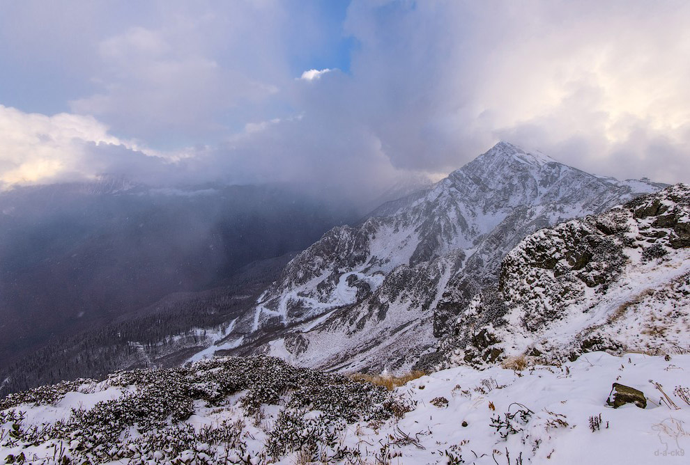 Наивысшая точка хребта Аибга — гора Каменный Столб