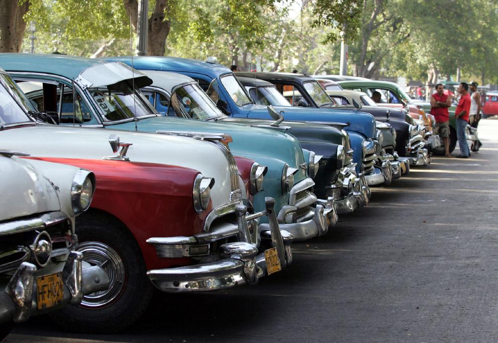 Стоянка такси в центре Гаваны