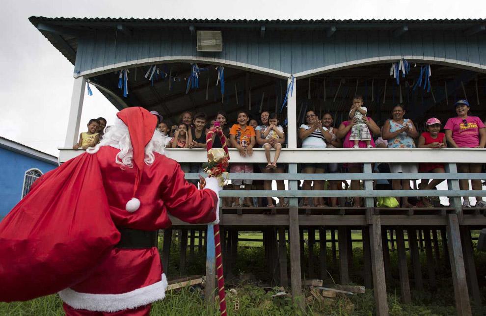 Рождественские подарки для детей из штат Амазонас