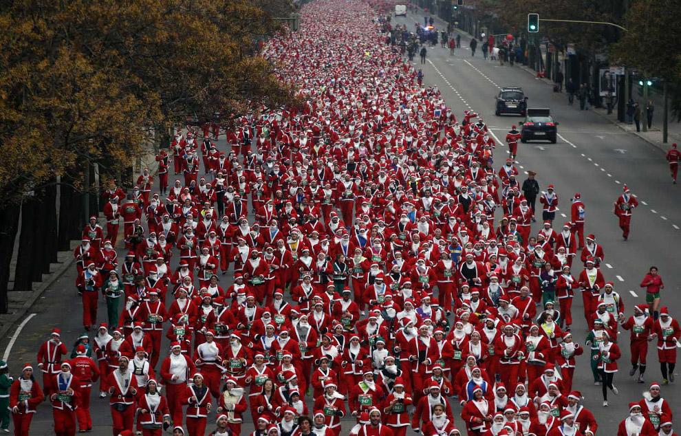 Еще один марафон Санта-Клаусов, на этот раз в Мадриде