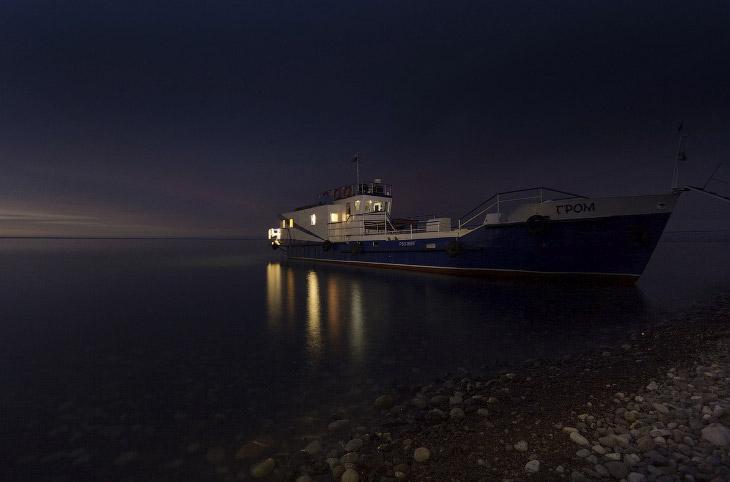 Экспедиционный корабль «Гром». Ночная стоянка у Саган-Заба