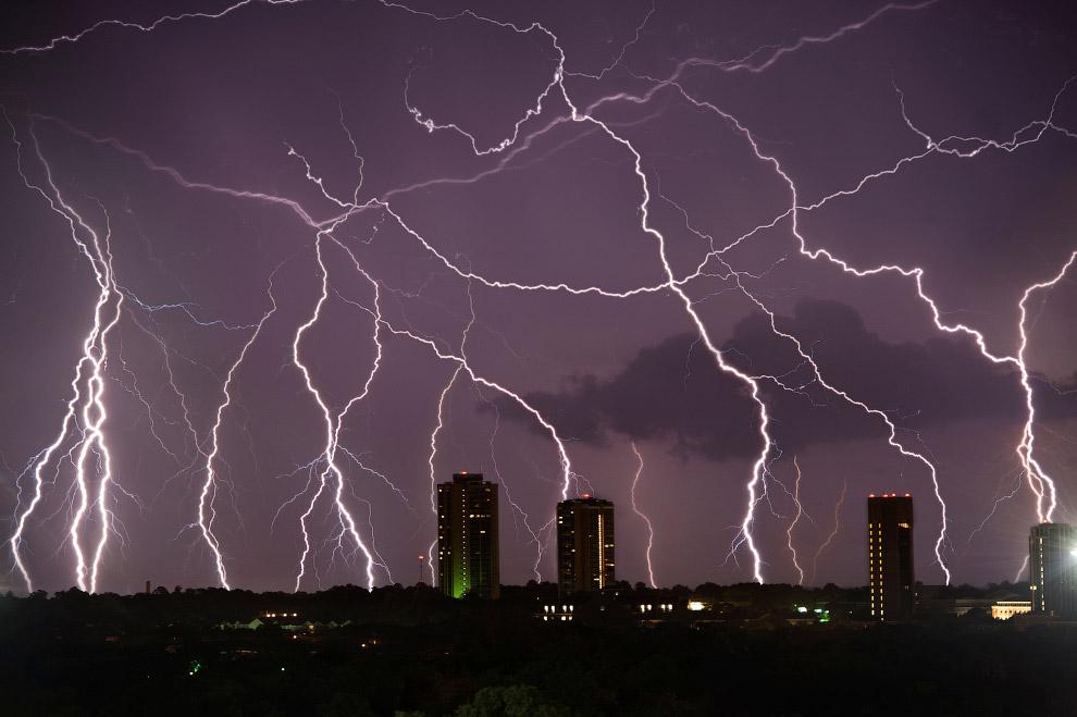 Гром и молния в Дентоне, Техас