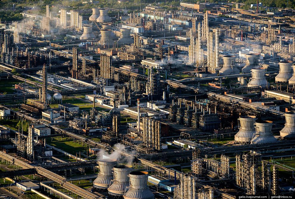«Нижнекамскнефтехим» — крупнейшее нефтехимическое предприятие в Европе.