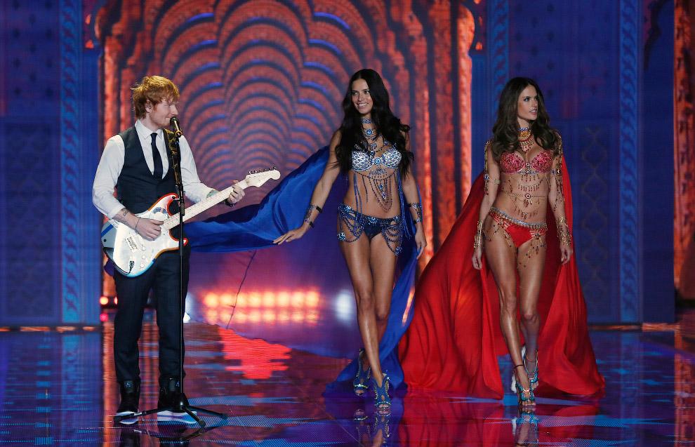 Выступление английского автора-исполнителя Эдварда Ширана на шоу Victoria`s Secret 2014