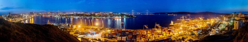 Большая панорама контейнерного терминала и всего Владивостока с Крестовой горы