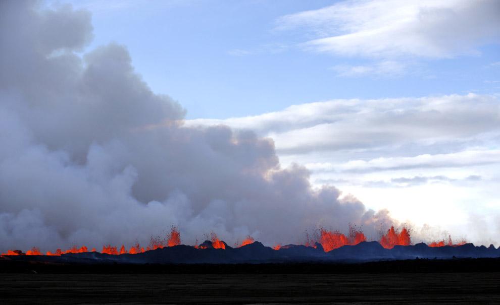Лава из вулкана Бардарбунга в Исландии