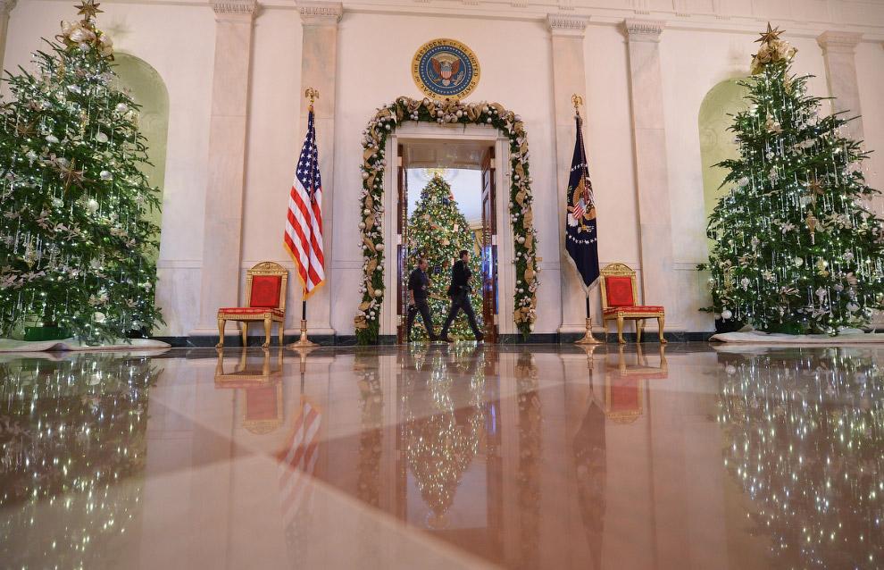Новогодние елки в Голубой комнате Белого дома