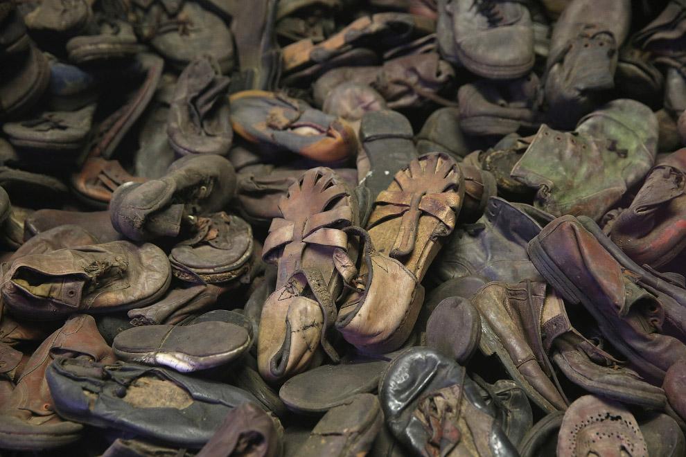 Детская обувь заключенных сейчас тоже является экспонатами музея