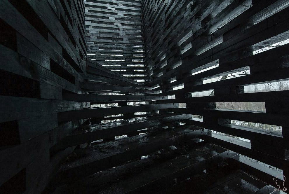 арка черного цвета
