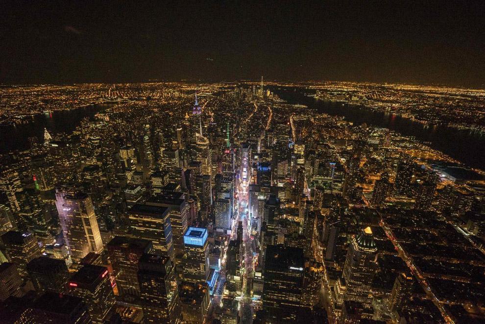 Таймс-Сквер и Нью-Йорк накануне Нового Года