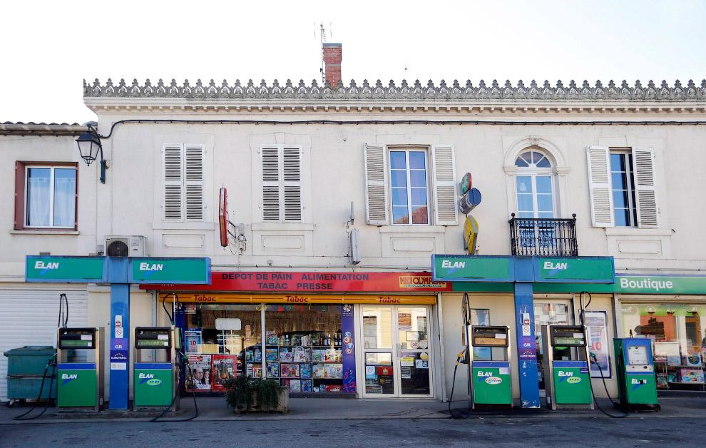 Вот такие заправки есть на юго-западе Франции