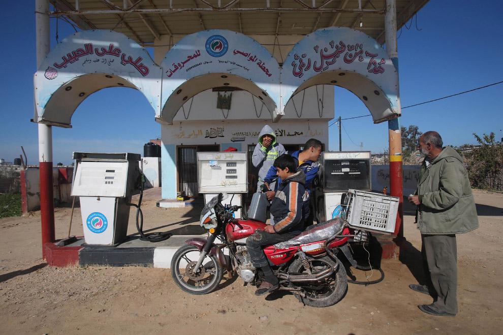 Стильна заправна станція на півдні сектора Газа