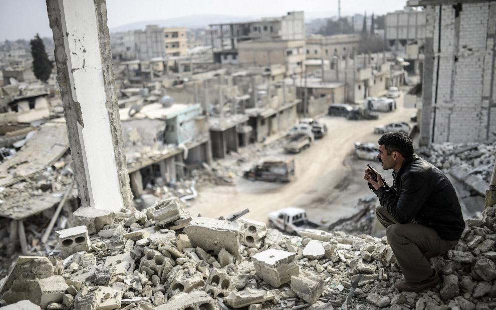 Сегодня от многих районов города Кобани в Сирии остались одни руины