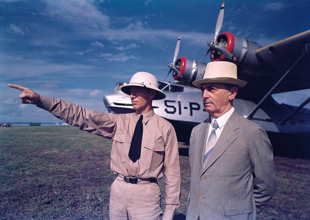 Губернатор Пуэрто-Рико Уильям Дэниэл Лехи (справа).