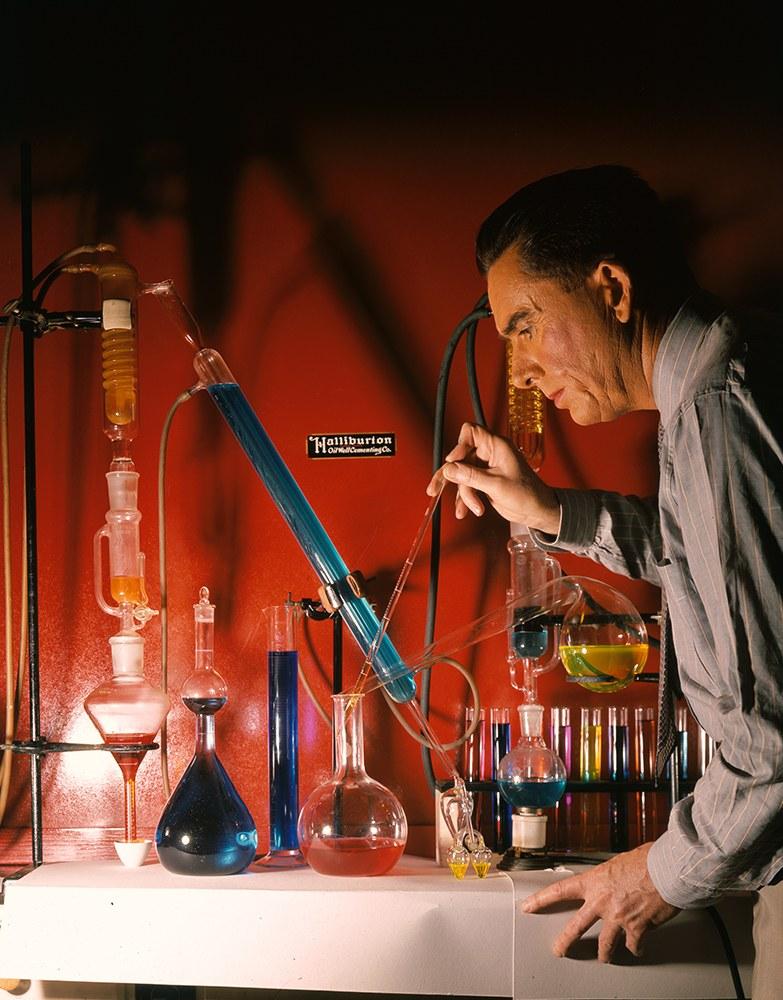 Лаборатория компании Halliburton, 1940 год.