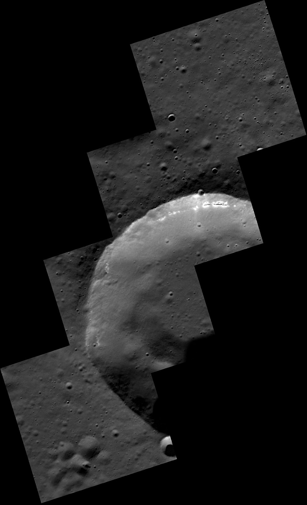 Мозаика 15-километрового безымянного кратера