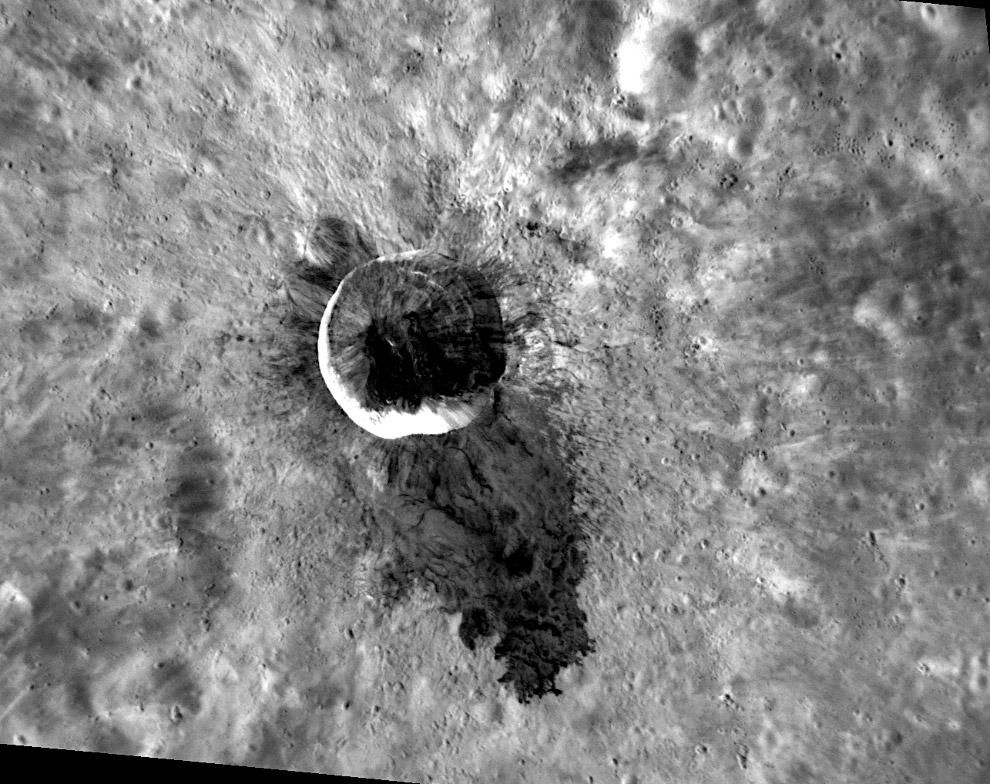 14-километровый кратер Уотерса