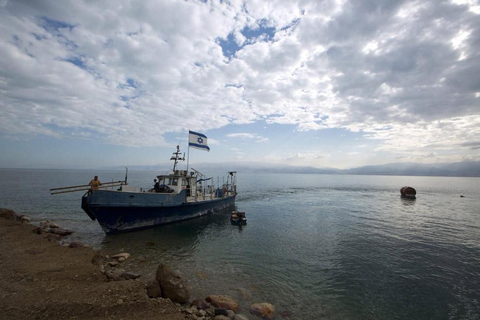 Научно-исследовательское судно «Таглит» израильского геологического института