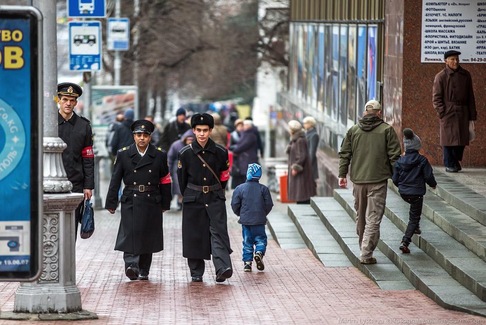Патруль на улице Ленина