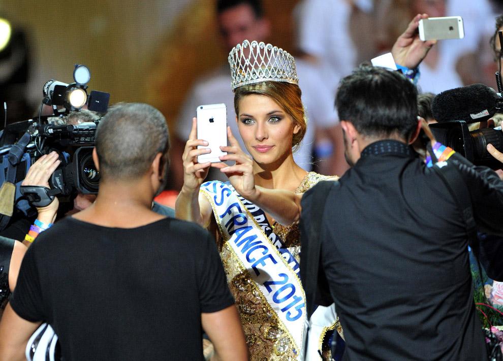Победительницей конкурса Мисс Франция-2015 стала Камилл Серф