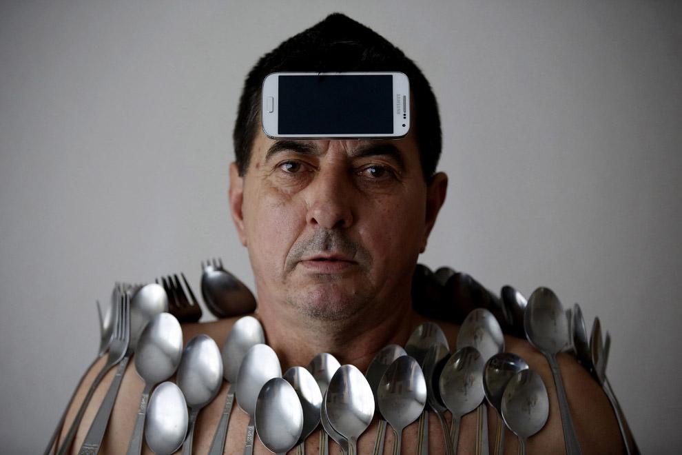 Житель из Боснии и Герцеговины Мухибиджа Булджубасик обладает полезным талантом
