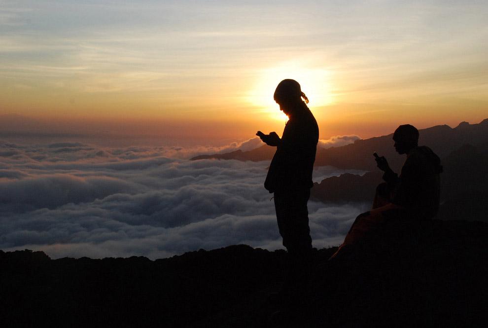 Местные гиды и помощники на горе Килиманджаро