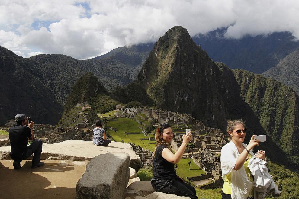 Мачу-Пикчу (в переводе — «старая вершина») — город древней Америки, находящийся на территории современного Перу