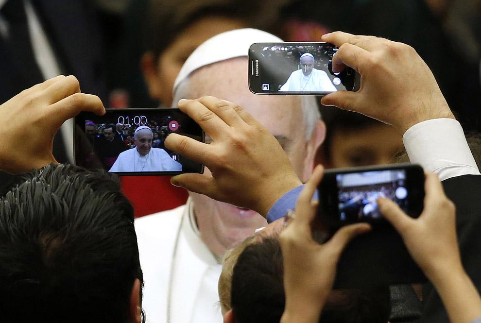 Снять Папу Римского Франциска сам бог велел