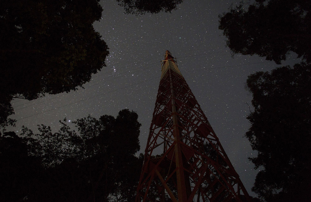 Башня ATTO и звезды
