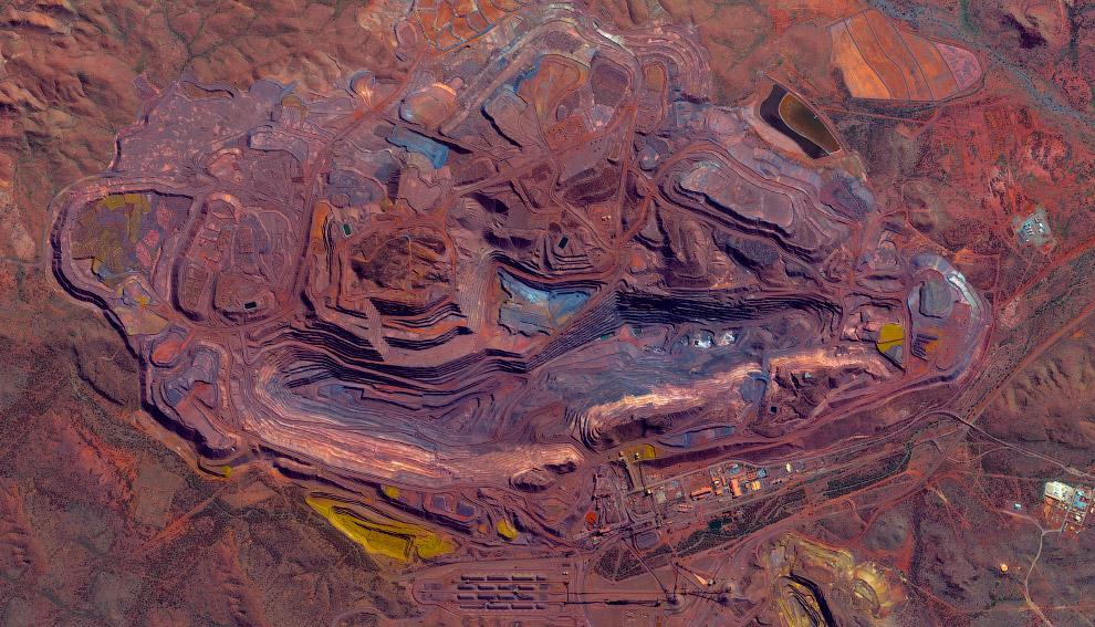 Карьер по добыче железной руды в Австралии