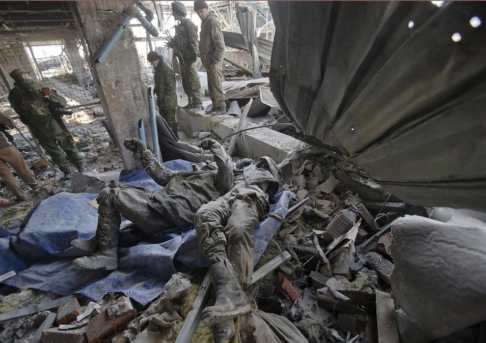 При разборе были найдены не менее 30 тел погибших украинских военных